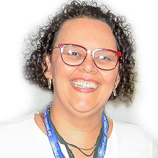 Secretária Administrativa Adriana Maria das Neve