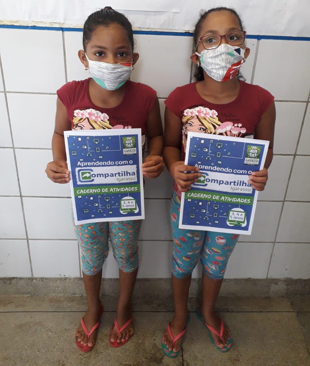 Caderno de atividades chega na casa dos mais de 13 mil alunos da rede municipal de ensino de Igarassu