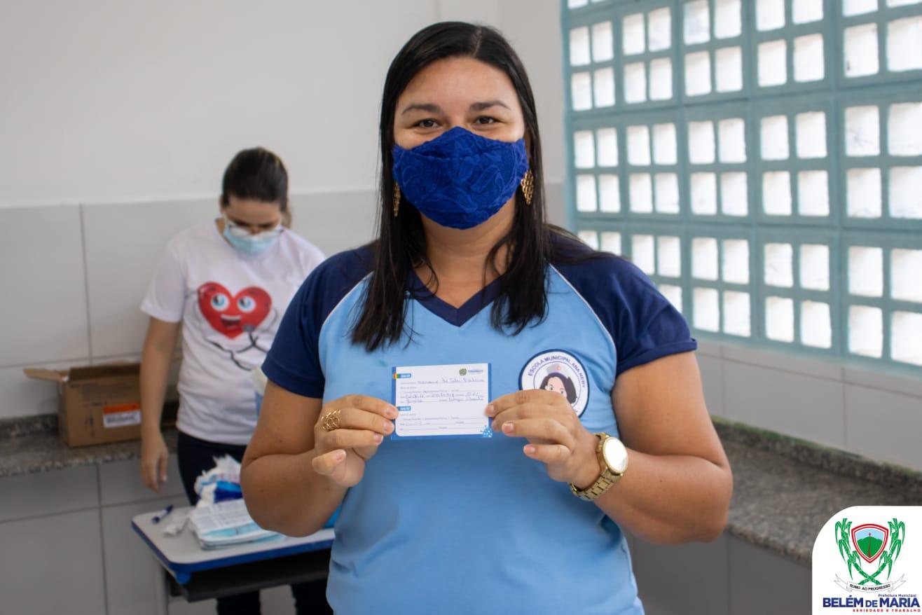 O Município de Belém de Maria inicia processo de vacinação dos profissionais da educação