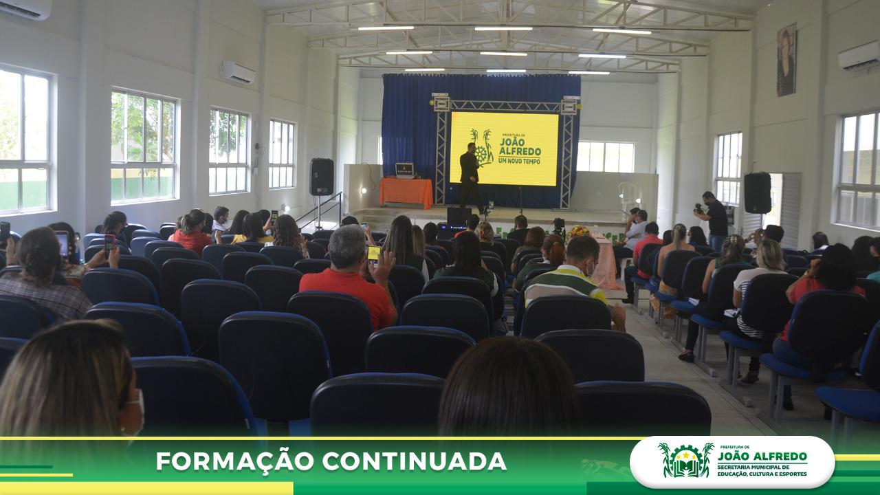 Secretaria de Educação de João Alfredo realiza ciclo de formações para professores da rede municipal